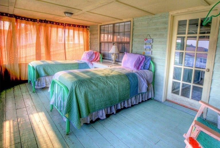room5-768x520